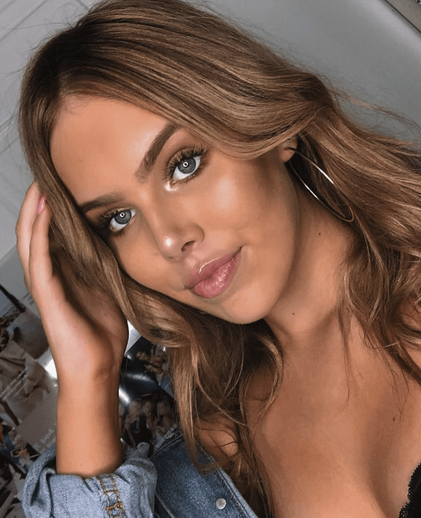 How to create a summery bronzy makeup look